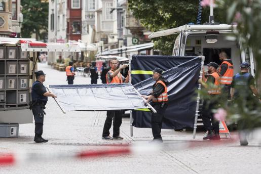 La policía cerca el casco antiguo de Schaffhausen tras el ataque.