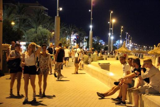 Un turista polaco que robaba carteras en la Playa de Palma agrede a un Policía Local.
