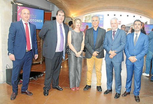 José García Mínguez, Francisco García, Pilar Sansó, Rogelio Araújo, Antonio Díaz y David Martín.