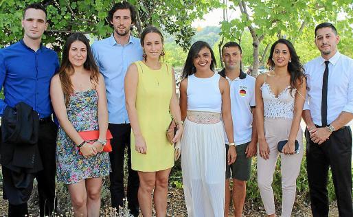 Juan Ángel Navarro, Marta Gabaldón, Javier de Oleza, Cristina Simarro, Sofía Cerdá, Juanan Rotger, Núria Morro y Carlos Nogales.