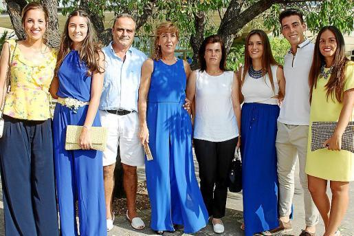 Laura Serrano, Aida Serra, José Lopera, María Saiz, Antonia Contestí, María Lopera, José Lopera y Cristina Sirera.