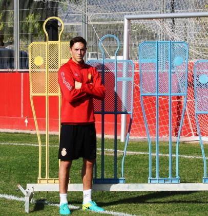 El central del Real Mallorca Antonio Raillo durante un entrenamiento del conjunto bermellón.