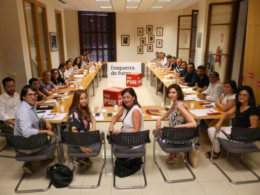 Momento de la reunión de la nueva Comisión Ejecutiva surgida del decimotercer Congreso del PSIB.