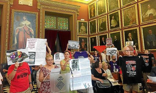 Intervenciones en el pleno en defensa del derribo del memorial de sa Feixina.