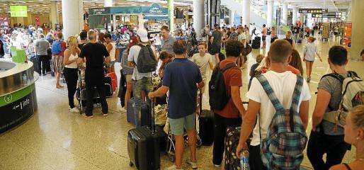 Son Sant Joan tendrá un tráfico de más de 800 aviones al día hasta septiembre.