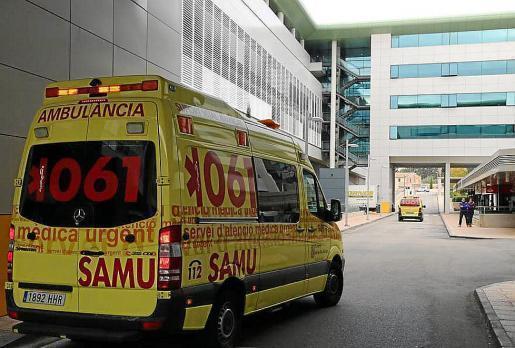 Según han informado fuentes del Servicio de Emergencias SAMU (061), recibieron la alerta sobre las 03.00 horas de que un hombre se había precipitado desde un domicilio particular en la calle Santa Florentina.