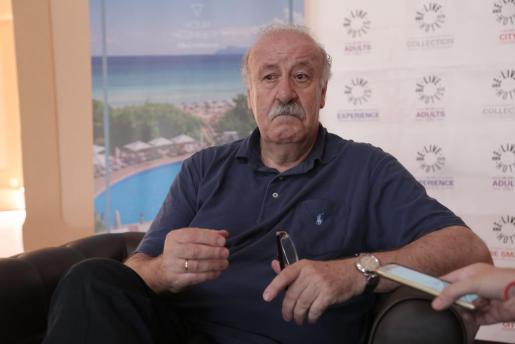 El exseleccionador Vicente del Bosque, durante una entrevista en Mallorca.