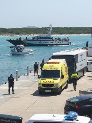 Se trata de la segunda embarcación que llega a Cabreras en los últimos dos días.