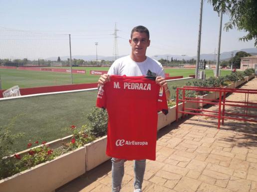 El Mallorca presenta su último fichaje, el pivote Marc Pedraza.