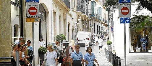 Vista del acceso a la calle Sant Feliu, donde se encuentra el piso de 497 metros cuadrados.