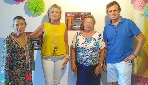 Jeanine Coll, Toya de la Vega, Marta Castro y Mariano Mayol.