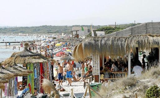 Es Trenc se ha convertido en todo un epicentro de turistas.