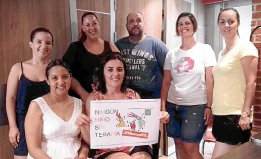 Grupo de apoyo a la plataforma 'Ningún niño sin terapia'.