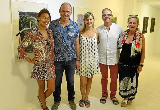 Maria Angeles Palmer, Gabriel Palmer, Elena Taberner, Jaime Vidal y Ana M. Lugo.