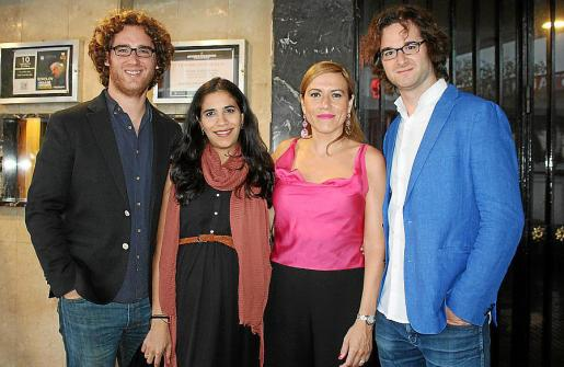 El pianista Luis del Valle, la violinista Ana Valderrama, Sara Ramis y el pianista Víctor del Valle.