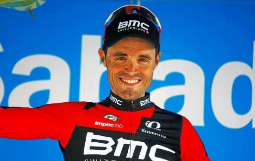 Hasta la resolución del caso, el corredor asturiano del equipo BMC, de 39 años, ha sido suspendido, por lo que no tomará la salida este sábado de la Vuelta a España.