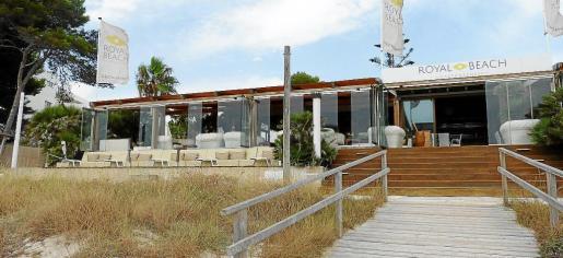 El local, situado en la Platja de Muro, cuenta con todas las comodidades de un restaurante.