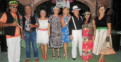 Rafael del Rey, Manolo Cádiz, Mª Ángeles Fernández, Josefa Cuesta, Antonia Sánchez, Bernat Busquets, Conchi Pérez y Conchi García.