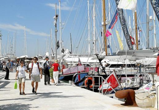 El turismo de lujo tiene un impacto directo en todos los sectores productivos de Mallorca, así como en los productos turísticos de alta gama. Hoteles de cinco estrellas, campos de golf, rent a car, puertos deportivos, son los grandes beneficiados.