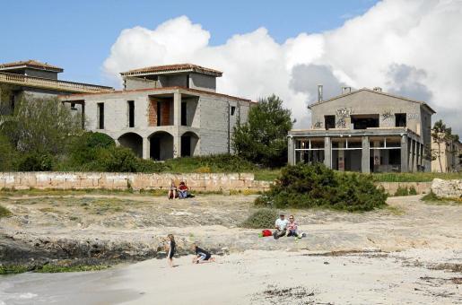 Los apartamentos ilegales de ses Covetes se encuentran junto a la playa de es Trenc en el municipio de Campos.