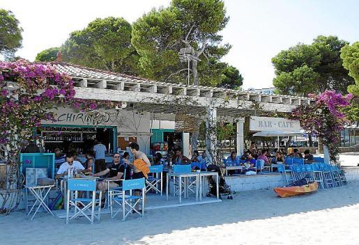 Un clásico ante el pinar de la playa de Palmanova