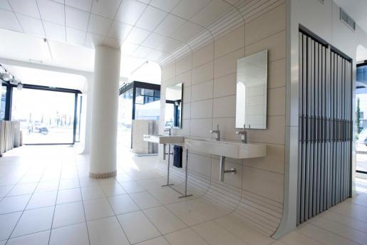 Borrás es especialista en baldosas, sanitarios, griferías y accesorios de baño.