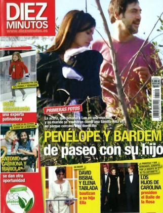 Penélope, Javier y el pequeño Leo, en la portada de 'Diez Minutos'.