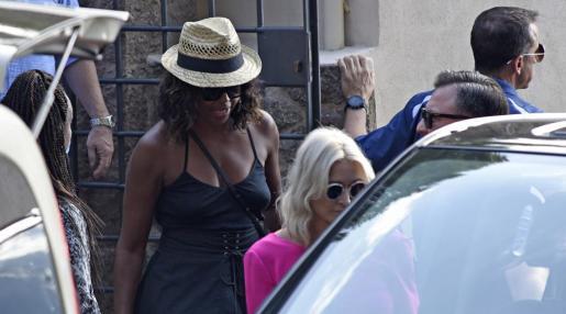 Michelle Obama, esposa del expresidente de Estados Unidos Barack Obama, a la salida del restaurante Bens d'Avall.