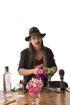 El actor catalán Óscar Jaenada ayer por la mañana durante la rueda de prensa que dió en Destino Ibiza.