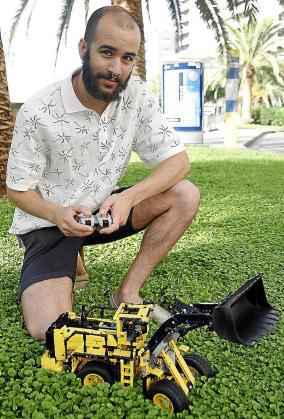 En el departamento en el que trabaja Marc Clapés se diseñan todos los componentes mecatrónicos de LEGO.