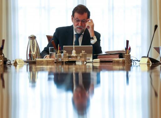 Mariano Rajoy, encabezando el Consejo de Ministros extraordinario convocado tras la aprobación de la ley del referéndum por parte del Parlament de Cataluña.