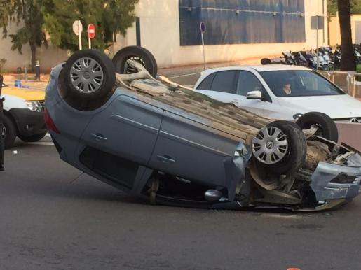 Así ha quedado el vehículo después del accidente.
