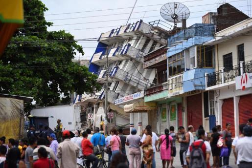 """Imagen del hotel """"Ane Centro"""", destruido por el terremoto."""