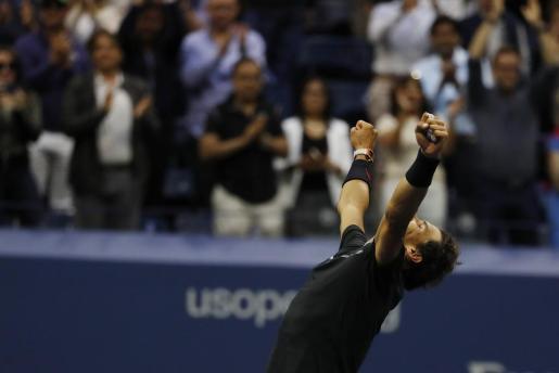El español Rafael Nadal celebra su victoria ante el sudamericano Kevin Anderson en la final del US Open.
