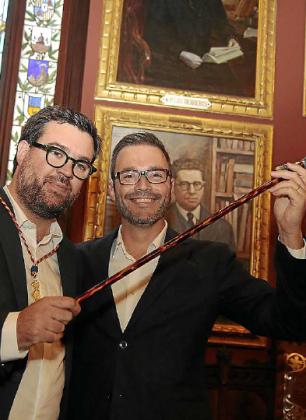 Noguera e Hila (derecha) el día del cambio de alcalde.