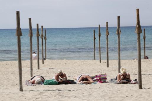 Martí considera que esta opción beneficia a las islas donde la temporada baja es especialmente larga.