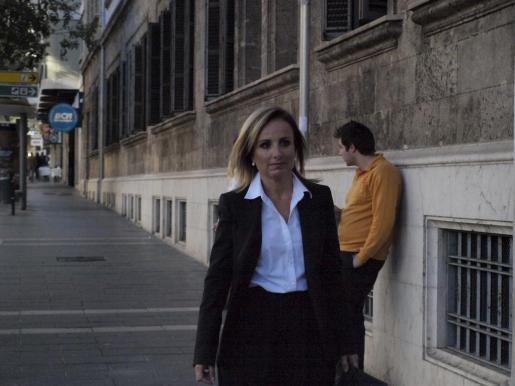 Imagen de archivo de Mabel Cabrer dirigiéndose a los juzgados.