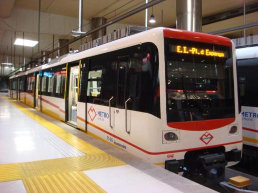 Las líneas L301, L320, L330-332, L331, L333, L403 y L406 de autobuses lanzadera, además del metro y el tren, serán gratuitas durante todo el día.