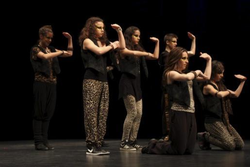 Han participado 350 bailarines llegados de distintas comunidades autónomas.