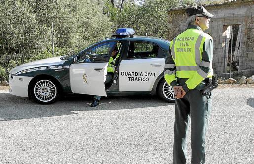 La Guardia Civil de Tráfico está investigando las circunstancias del accidente.