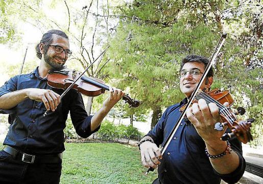 Víctor Muñoz y Gabriel Espinosa forman el Düo Haydn.