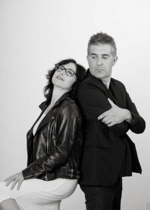 Magdalena Juan y Toni Noguera protagonizan 'Si m'estimessis', una de las obras de 'Microteatre i Tapes d'Humor en el Festival s'Illo de Can Timoner.