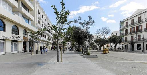 El nuevo bulevar peatonal de Vara de Rey, unos días después de su reapertura, el pasado mayo.