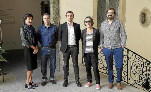 Neus Cortés, Fernando Sánchez Castillo, Llorenç Carrió, Carmela García y Sebastià Mascaró, ayer en la presentación.