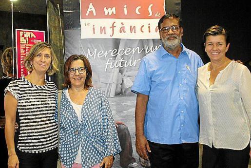 Margalida Pons, Lourdes Terrasa, Father Abhi y Carmen Serra.