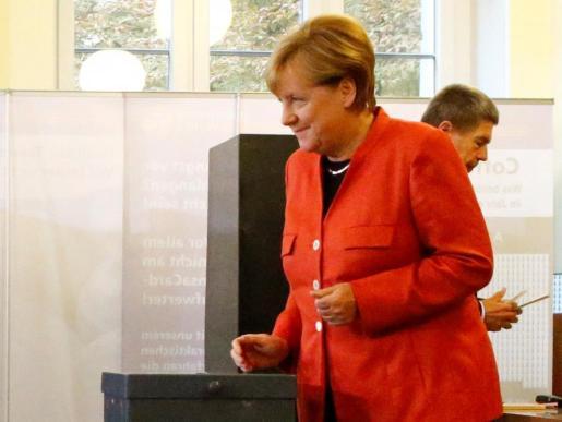 Angela Merkel ha votado esta mañana en Berlín, junto a su marido.