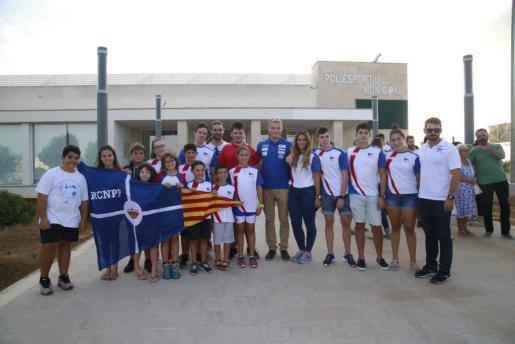 Momento del acto, que congregó a los jóvenes piragüistas del CN Portopetro.
