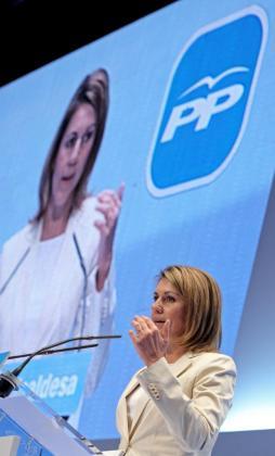 Dolores de Cospedal reclamó ayer en Valencia «dejar de perder el tiempo».