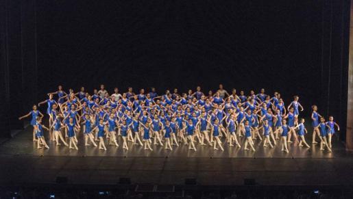 Una de las actuaciones de la Escola de Dansa Francisca Tomàs.