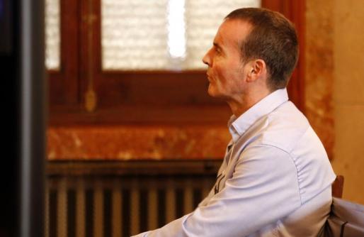El acusado de matar a su esposa en 2016 en Calvià, durante el juicio.